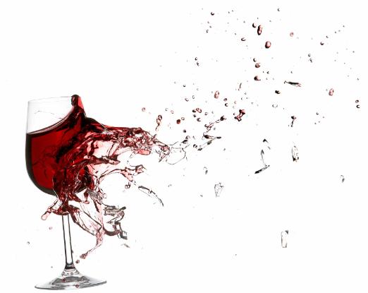 wijnglas dat kapot knalt