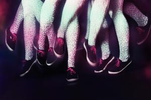 afbeelding van een herhaling van dezelfde benen, gemaakt door Tessa Wiegerinck