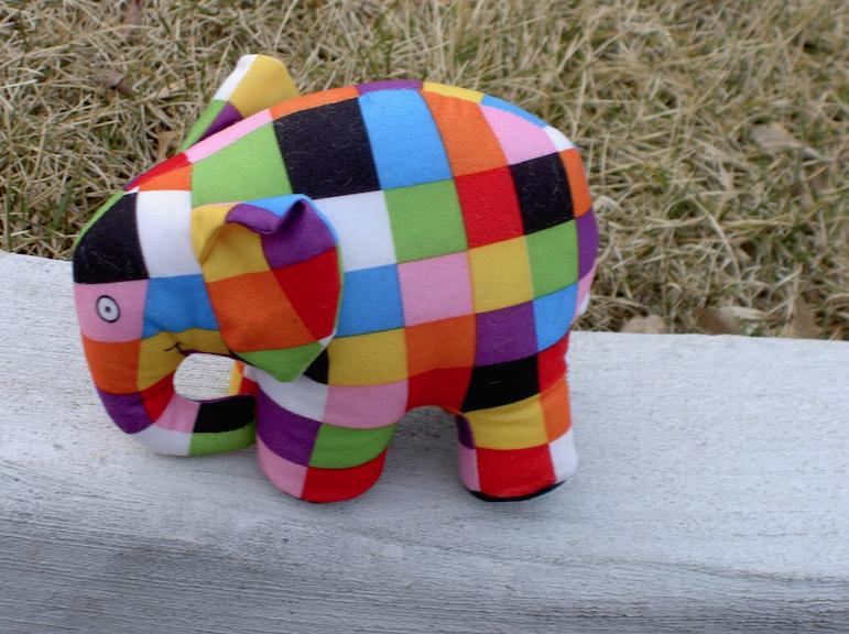 foto van een knuffel olifantje - afbeelding bij theorie versus praktijk blog