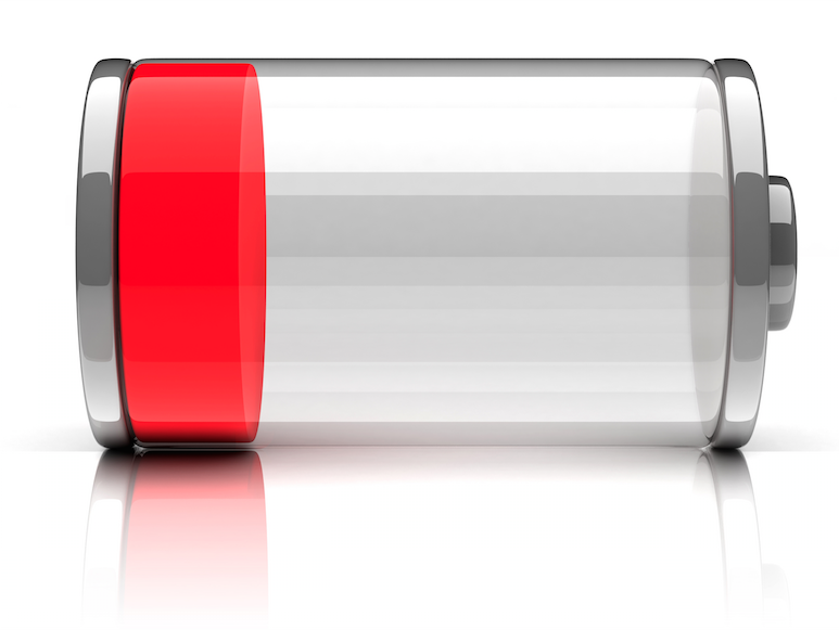 batterij die bijna leeg en rood is