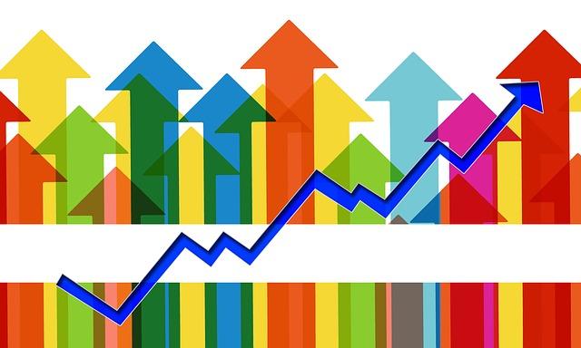fel geleurde pijlen omhoog - afbeelding bij de blog Groeien als ondernemer gaat alles behalve vanzelf