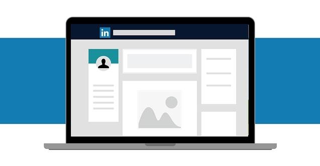 illustratie van een laptop met LinkedIn op het scherm bij een column over LinkedIn views